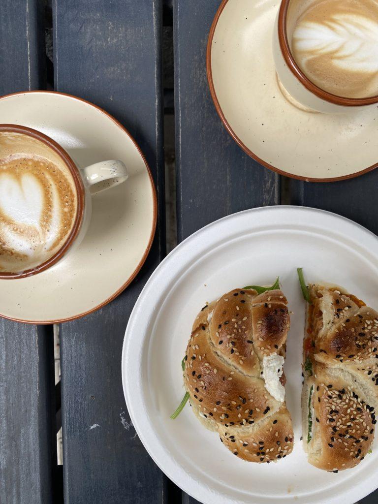 Cafe rozrusznik breakfast