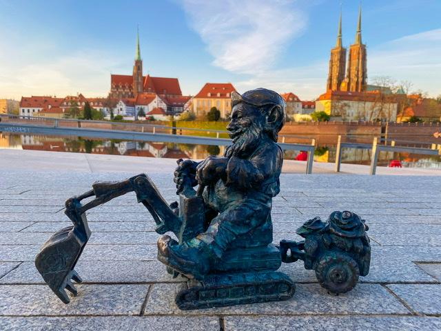 Dwarf Hunting in Wroclaw