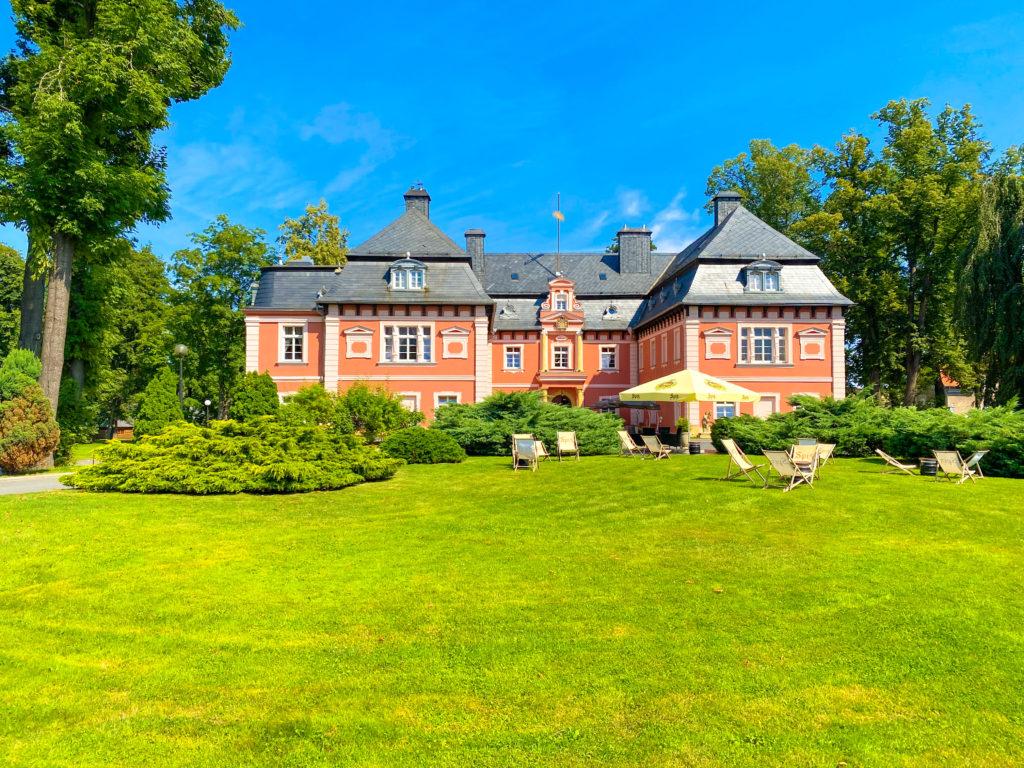 Schloss Arnsdorf im Hirschberger Tal
