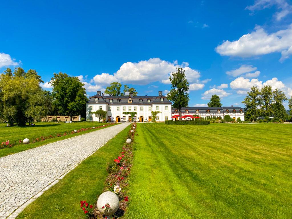 Schloss Wernersdorf im Hirschberger Tal