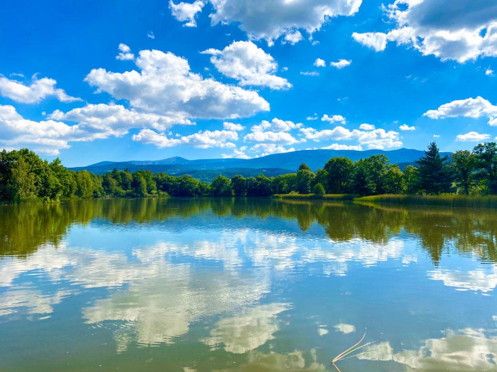 Ein See im Hirschberger Tal Niederschlesien